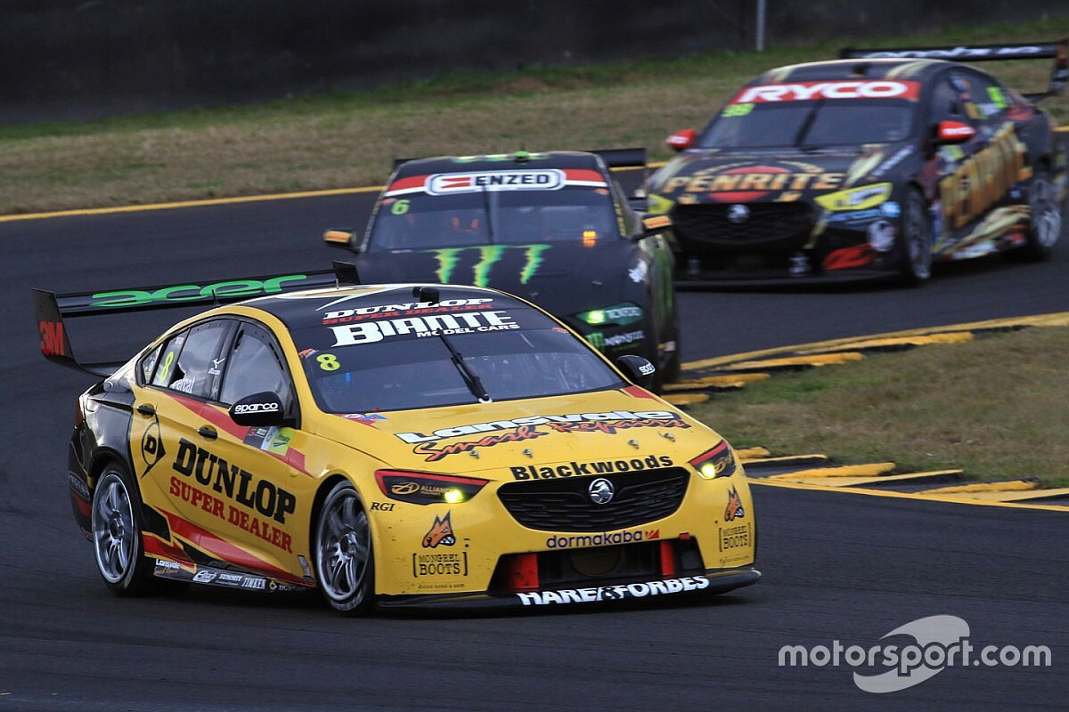 Sydney Supercars: Percat denies Whincup milestone win