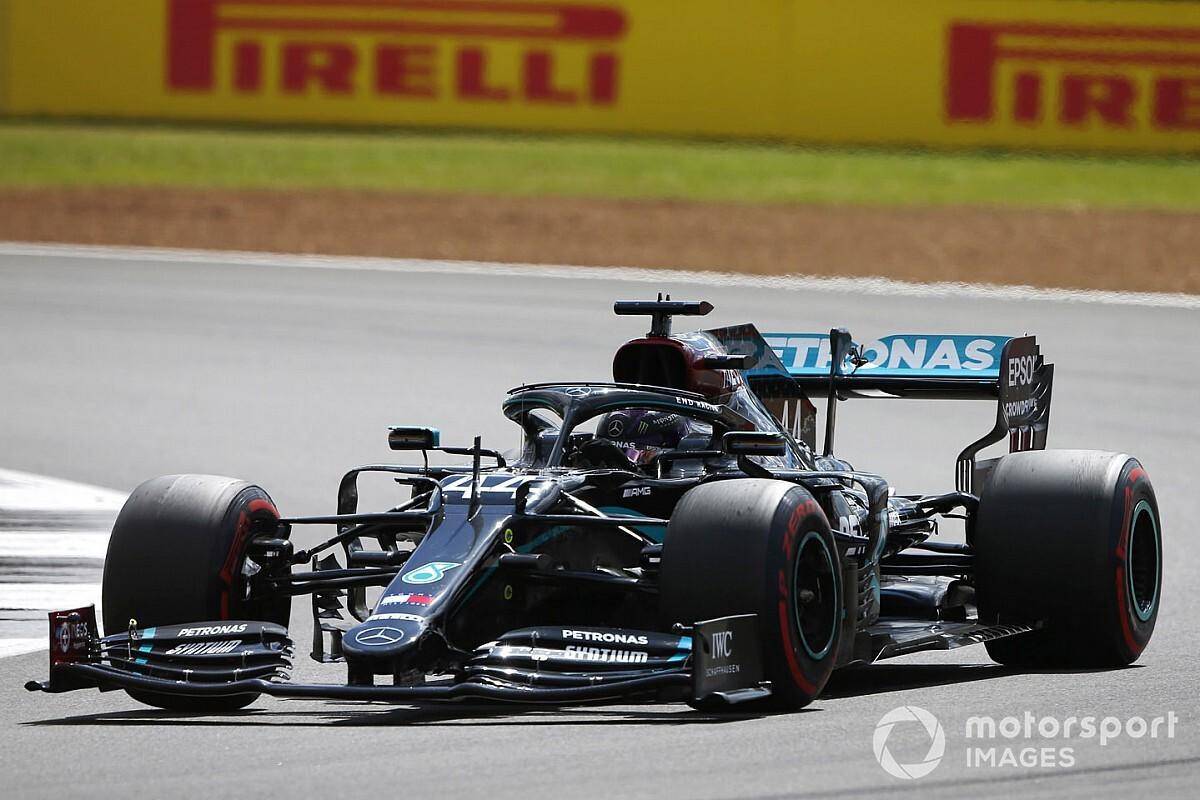 Em fim dramático, Hamilton supera pneu furado e vence na Inglaterra