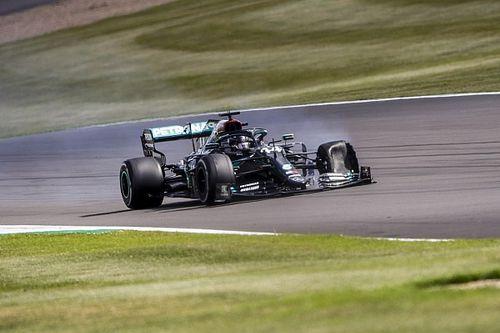 هاميلتون مقتنع بأن الحطام سبب انثقاب إطاره في اللفة الأخيرة من سباق سيلفرستون