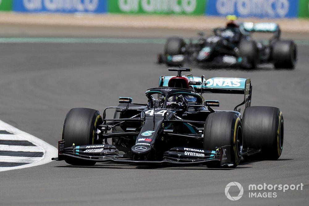 "Hamilton was pushing ""pretty flat-chat"" in British GP"