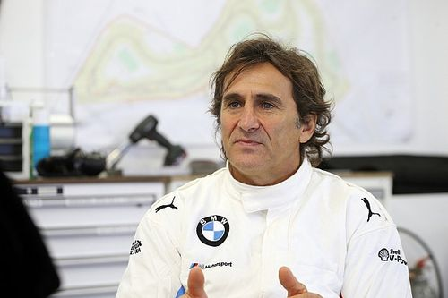 "Alex Zanardi showing signs of ""clinical improvements"""