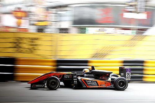 Floersch kecelakaan parah, GP Makau terhenti
