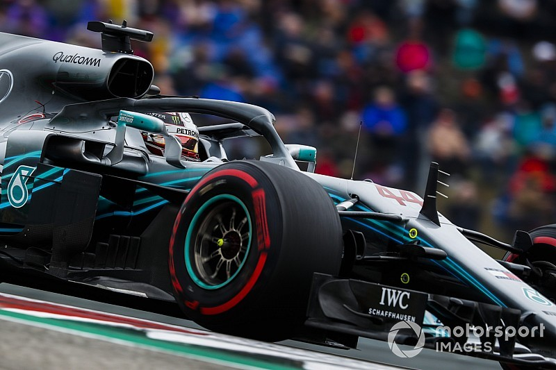 How much did controversial wheels help Mercedes?