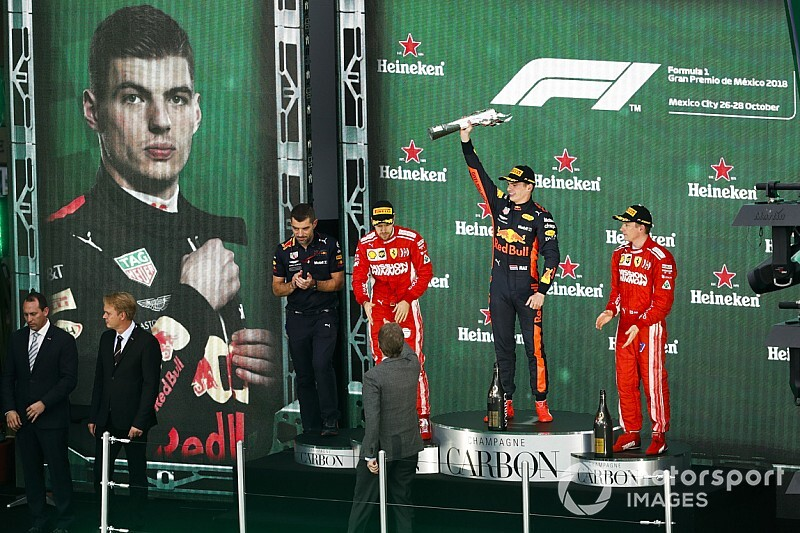 Noviteit in Grand Prix van Mexico: Auto mee naar het podium