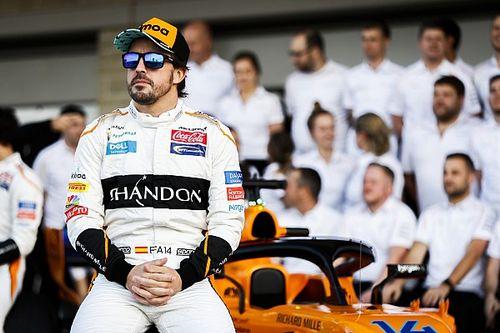 Alonso e Jimmie Johnson revelam evento de troca de carros