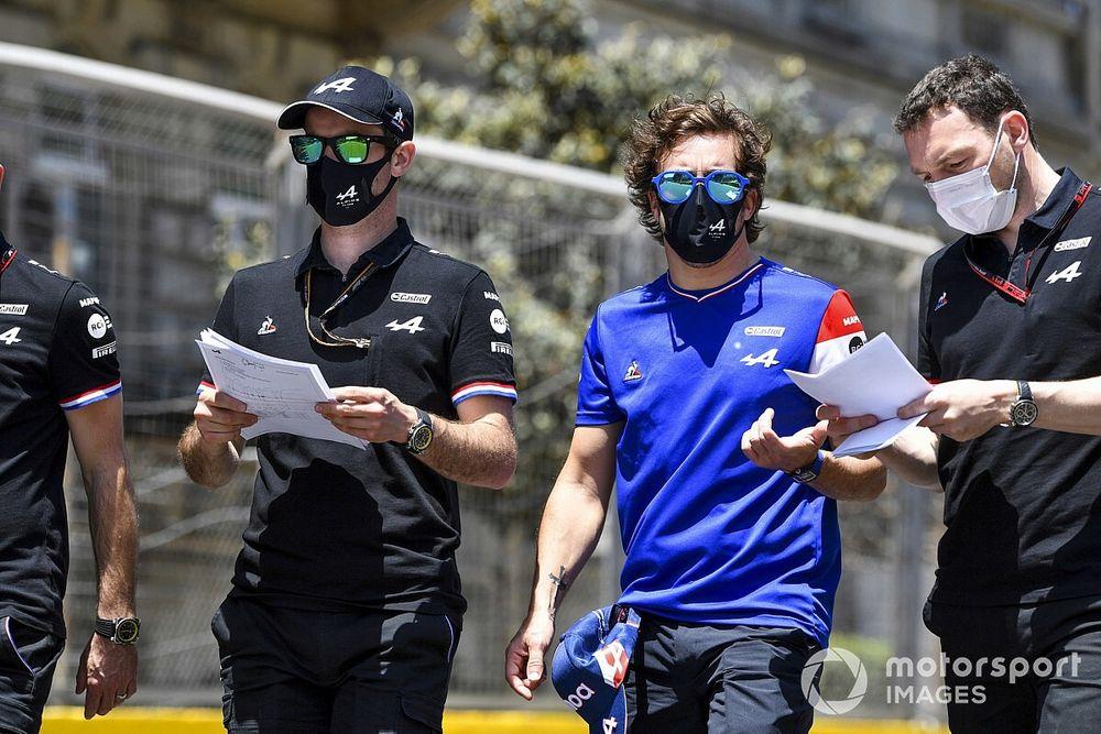 """Alonso: """"Estoy disfrutando más de lo que esperaba en la Fórmula 1"""""""