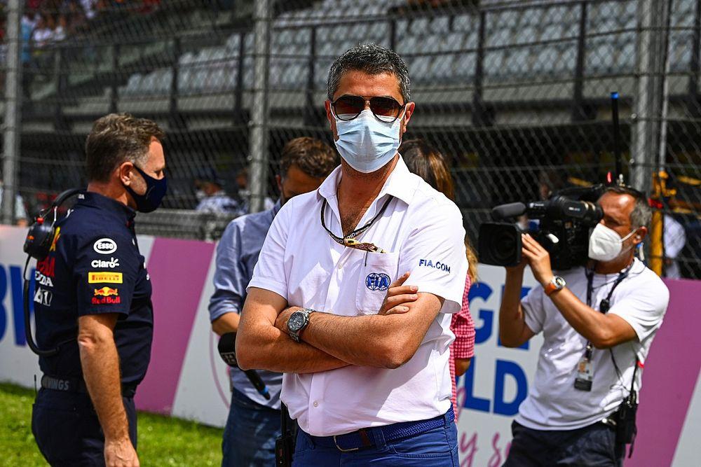 """レース中のチームからの""""問い合わせ""""は鬱陶しい? F1レースディレクター「いや、それは彼らがすべきことの一部だ」"""