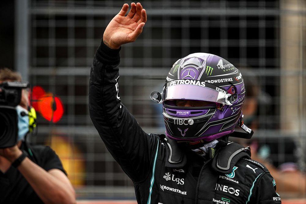 Hamilton Tak Mengira Gap dengan Red Bull Cukup Besar