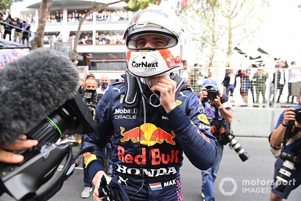 """F1 - Verstappen: Hamilton """"não teve de lutar por título nos últimos anos"""""""