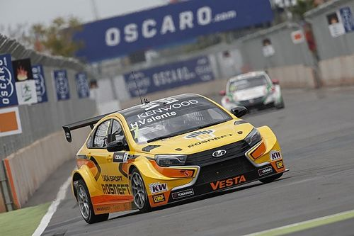 """Valente frustrated with Tarquini over """"stupid"""" collision"""