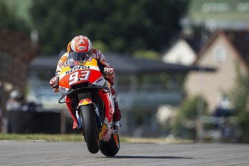 MotoGP Sachsenring: Marquez, Petrucci'nin önünde pole'de