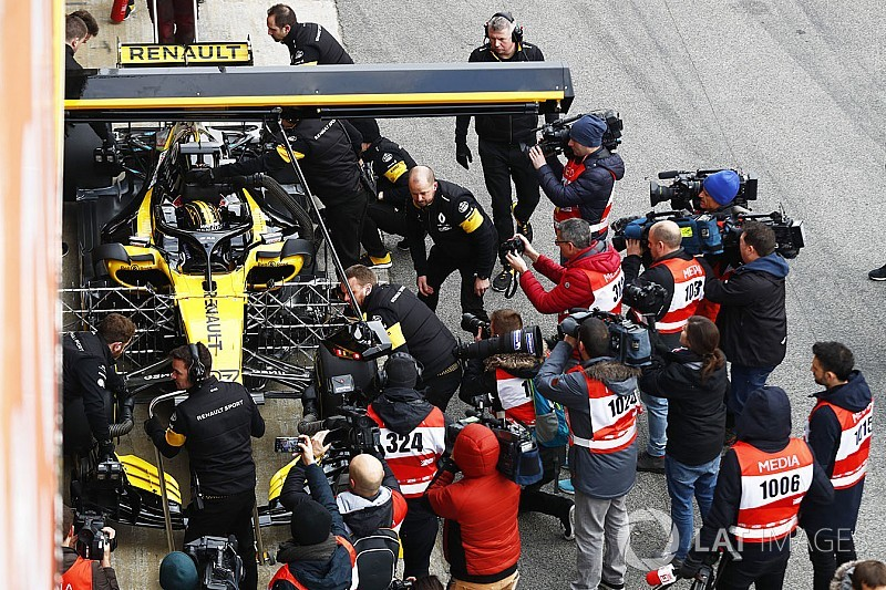 F1 Debrief: All you need to know from Test Day 1