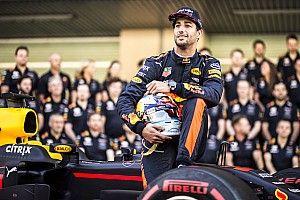 Ricciardo espera igualdad de condiciones en Red Bull en 2018