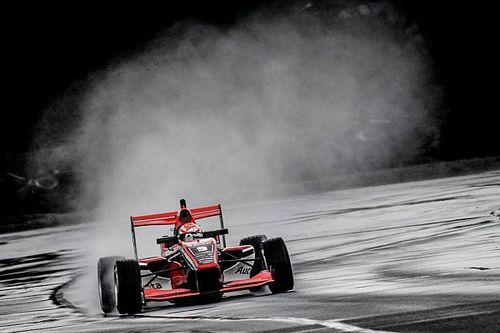 Петров поднялся на подиум в Новой Зеландии. Две другие гонки TRS отменили из-за ветра