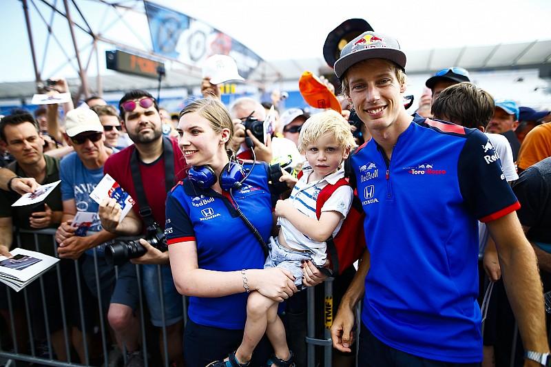 """Hartley: """"Le a kalappal Alonso előtt"""""""