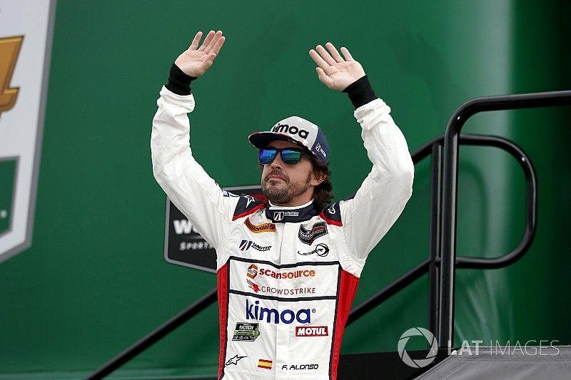 Alonso az F1-ben egy másodpercet nyer, a WEC-ben egyet veszít