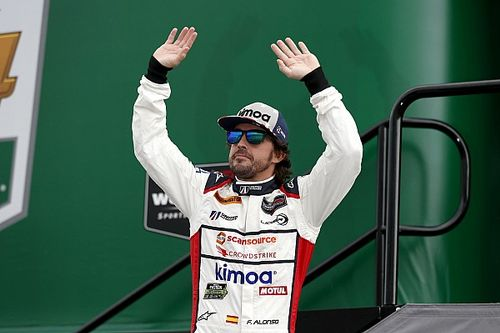 Alonso olyan, mintha egy más korszakból pottyant volna közénk