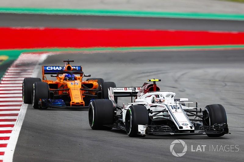 Leclerc dice que aprendió el doble luchando con Alonso