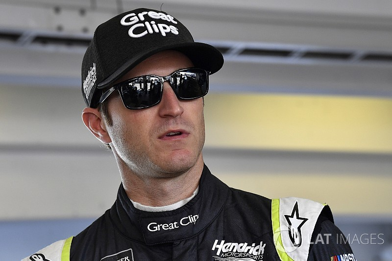 Kahne returns to Chili Bowl, plans to do more sprint car races