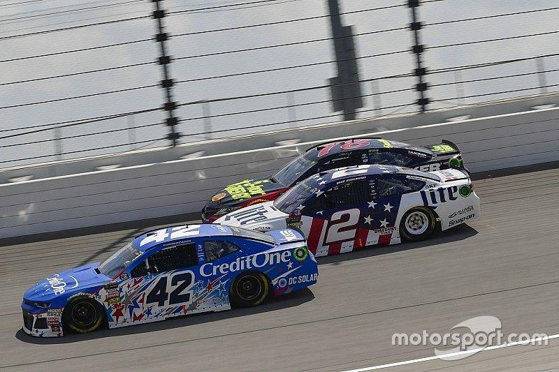 NASCAR Roundtable: Who will be eliminated at Kansas?