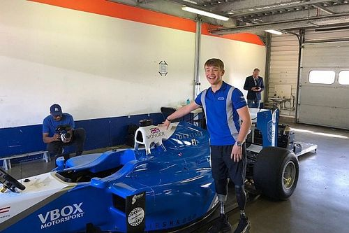 Monger drives Formula 1 car at Rockingham