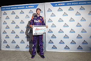 NASCAR Cup Reporte de calificación Hamlin se queda con una Pole emocionante