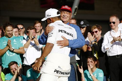 "Hamilton still revisits texts from ""great pillar"" Lauda"