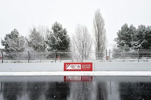 """Formel-1-Test Barcelona: Alonso setzt """"Bestzeit"""" im Schnee"""