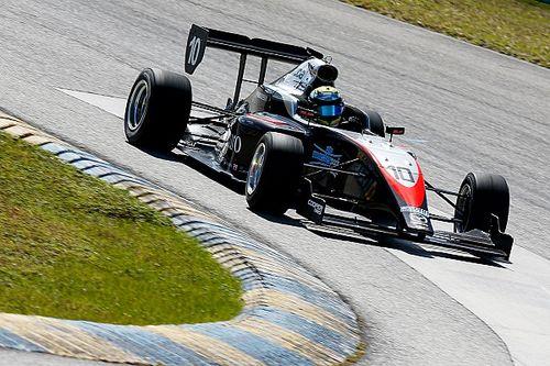 Полет с переворотом: гонка поддержки IndyCar началась с большой аварии