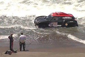 Dakar, video: un'onda ferma Al Rajhi. Si arena nell'Oceano Pacifico!
