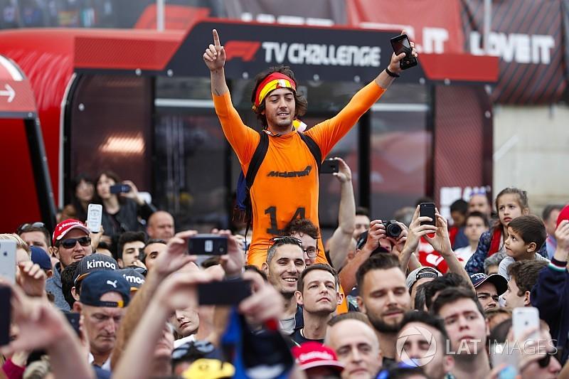 A nagyon lelkes F1-es rajongók Barcelonából