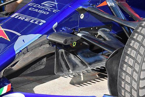 """""""Gereblyézik"""" a Toro Rosso az autó alsó légterelőjével Ausztráliában"""