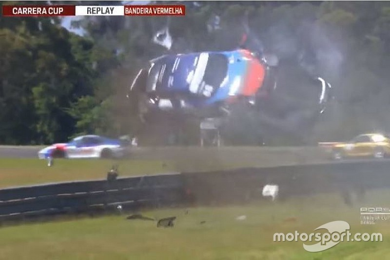 Video: Megaklapper in Porsche Carrera Cup Brazilië