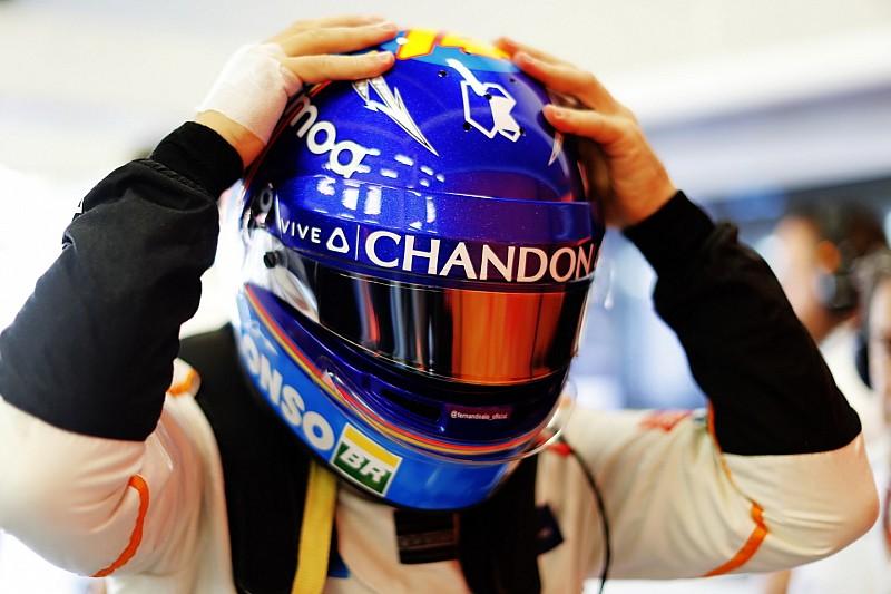 Alonso'nun elini arı sokmuş