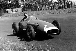 Unieke beelden: Onboard met F1-legende Fangio in de Maserati 250F uit 1957