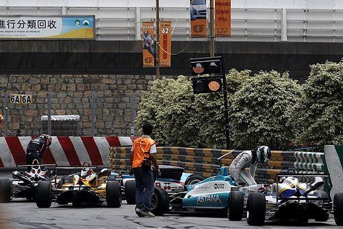 Video: Giovinazzi en Juncadella zorgen voor chaos in Macau GP