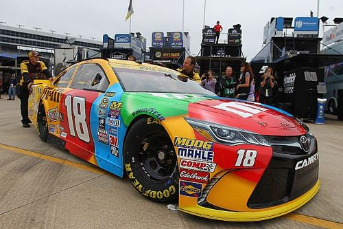 "Reigning champion Kyle Busch fine with ""flying under the radar"""