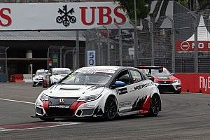 Singapore TCR: Grachev wins shortened Race 2, Nash reclaims points lead