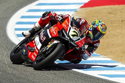 Tough Race 1 for the Aruba.it Racing - Ducati team in Laguna Seca