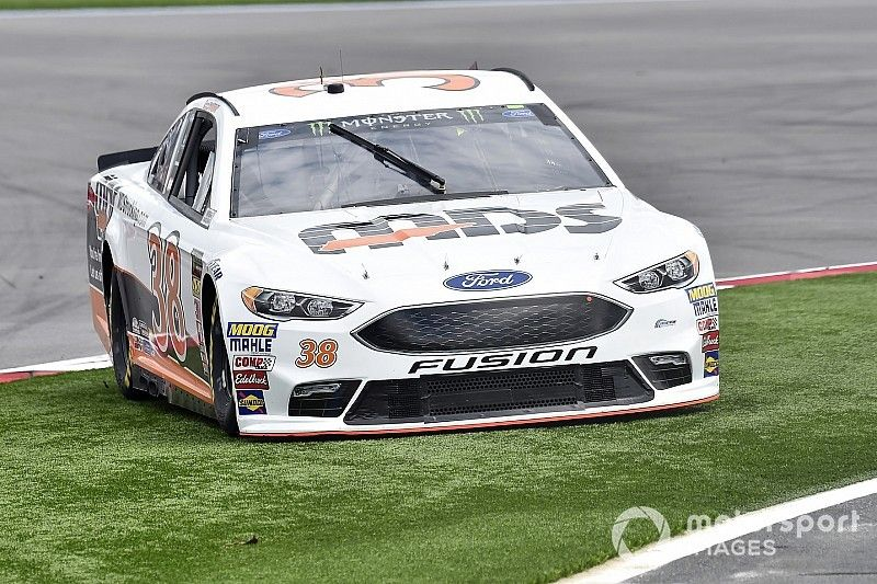 NASCAR clarifies the penalty for cutting the course at Roval