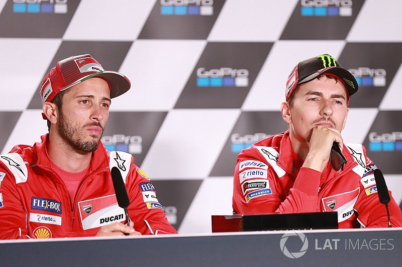 "Lorenzo attacks Dovizioso for ""strange"" absence comments"