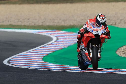 """Lorenzo to try """"radical"""" set-up after """"difficult"""" Friday"""