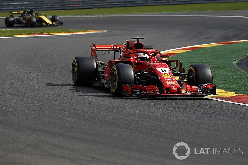 Vettel supera Verstappen e lidera TL1 na Bélgica