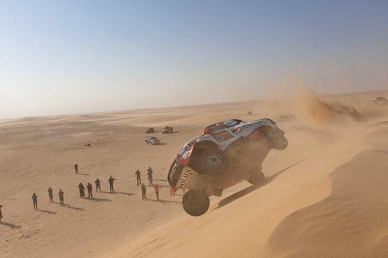 Alonso annak is örül, hogy a borulás után még versenyben van a Dakaron