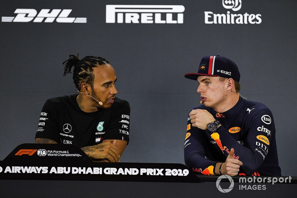 """Hamilton: """"Red Bull prima avversaria. Max è progredito ancora"""""""