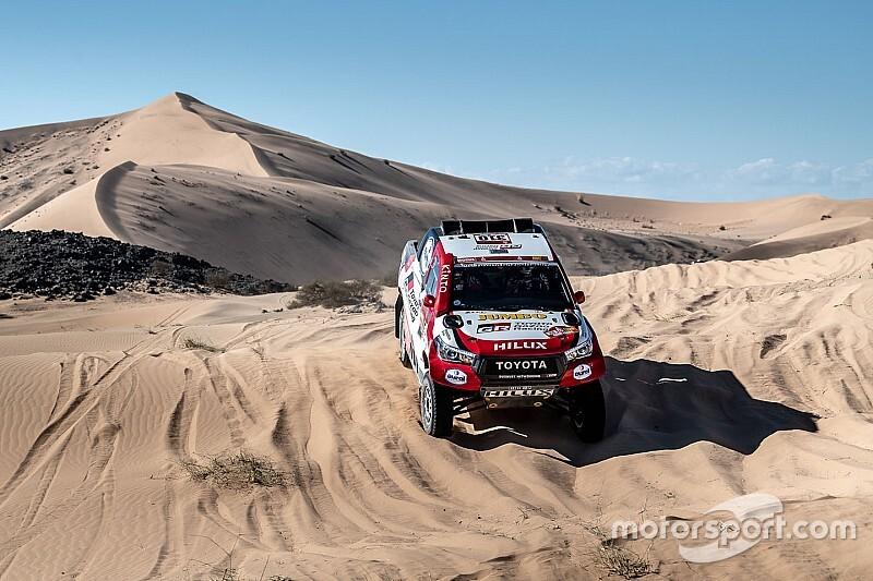 Dakar: Alonso rompe una sospensione e perde quasi un'ora!