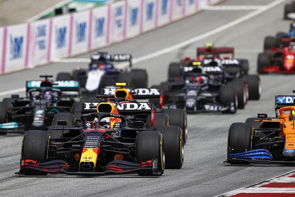 Ферстаппен выиграл Гран При Австрии, Хэмилтон не попал на подиум