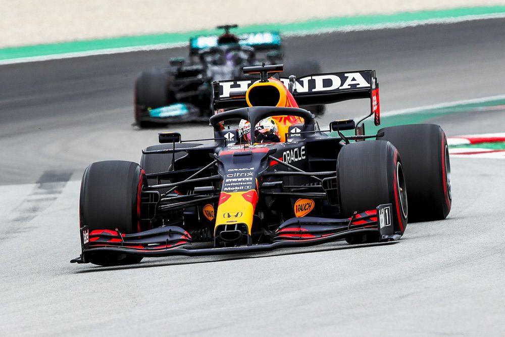 «Утечка» мотористов из Mercedes в Red Bull: новые цифры