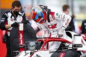 Alfa Romeo, Raikkonen'in 2022'de takımda kalıp kalmayacağını bilmiyor