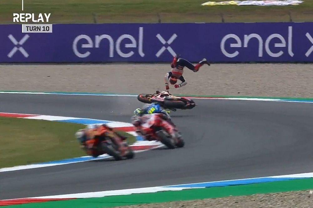 MotoGP: Márquez sofre acidente assustador na Holanda